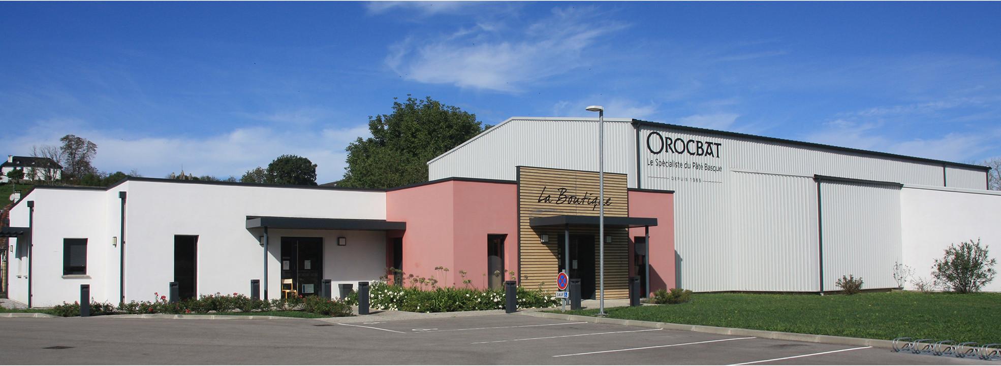 Edificio y almacén de OROCBAT